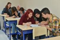 MUHITTIN BÖCEK - Konyaaltı Belediyesi Etüt Merkezi Öğrencileri YKS'ye Hazır