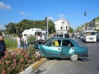 BASEL - Suriyeli İşçileri Taşıyan Otomobil Kaza Yaptı Açıklaması 5 Yaralı