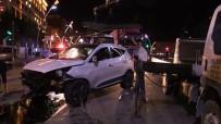 IŞIK İHLALİ - Uşak'ta Trafik Kazası Açıklaması 5 Yaralı