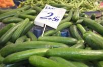 PAZAR ESNAFI - Yerli Domates Ve Salatalığın Kilosu 2,5 TL