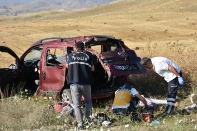 Aynı Mevkide İki Ayrı Trafik Kazası Açıklaması 1 Ölü, 6 Yaralı