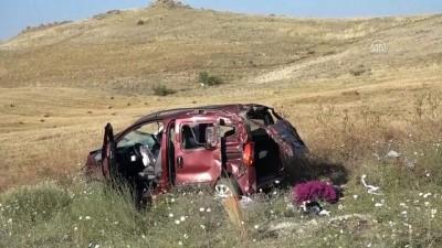 Kırıkkale'de Hafif Ticari Araç Devrildi Açıklaması 1 Ölü, 4 Yaralı