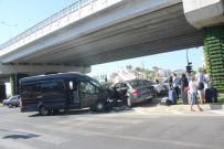 KIRMIZI IŞIK - Manavgat'ta Turist Transfer Aracı Kazası Açıklaması 1'İ Alman Uyruklu 4 Yaralı