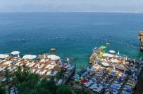 MINAS - Muratpaşalılar Falez Plajlarına Destek Verdi