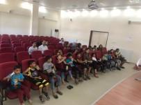 PATLAMIŞ MISIR - Sokakta Dilendirilen Çocuklara Ücretsiz Sinema
