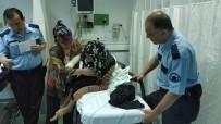 YAŞLI KADIN - 'Dilenmiyor' Diye Oğlu Tarafından Hastanelik Edildi