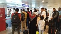 HAVAYOLU ŞİRKETİ - İki Kez Havadan Dönen Uçağa Yolculardan 'İnmiyoruz' Tepkisi