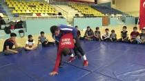 TAHA AKGÜL - Liseli Güreşçinin Büyük Hedefi