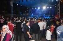 Ramazan Sokağı'nda Yüzlerce Vatandaş Bir Araya Geliyor