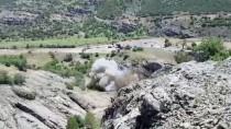 BOMBA UZMANI - Tunceli'de 200 Kilogramlık Patlayıcı Düzeneği İmha Edildi