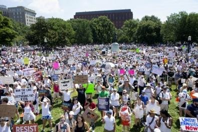 Beyaz Saray önünde Trump protestosu