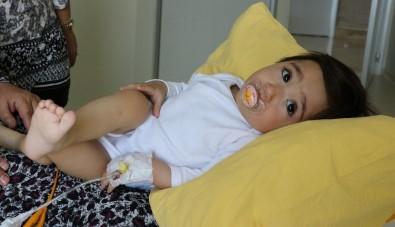 Böbreğinde Taş Olan 1 Yaşındaki Bebeğe 'Hassas' Operasyon