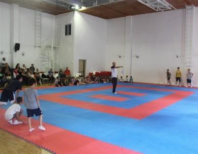 Cimnastik Kursu Mendil Kapmaca Oyunu İle Başladı