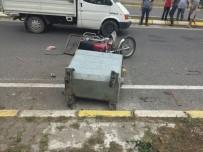 Çöp Konteynerine Çarpan Motosikletli Yaralandı