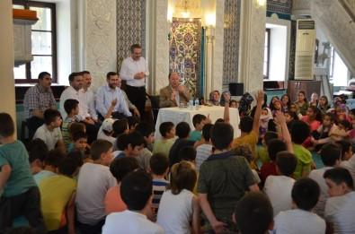 Denizli'de Kur'an Kursları, 'Camide Çocuk Sesi, Vatanımın Neşesi' Sloganıyla Açıldı