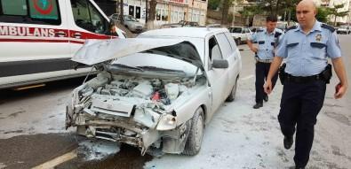 Gördes'te Kaza Yapan Araç Alev Aldı