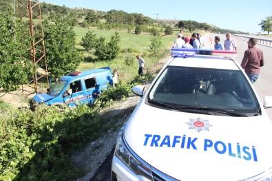 Karaman'da Jandarma Aracı Kaza Yaptı Açıklaması 2 Asker Yaralı