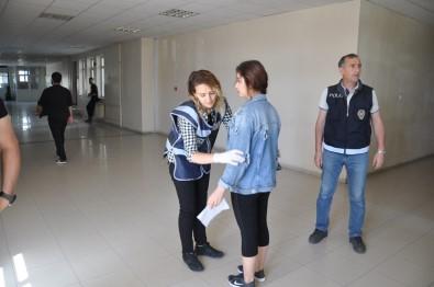 Kars'ta Üniversite Adaylarının Sınava Yetişme Telaşı