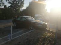 KARAHıDıR - Kırşehir'de Trafik Kazası Açıklaması 3 Yaralı