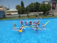 SONER KIRLI - Malazgirt Belediyesinden Çocuklar İçin Yüzme Havuzu