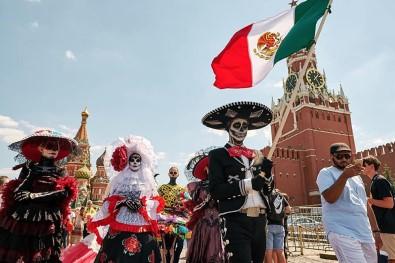 'Ölüler Günü Festivali''ni Moskova'ya Taşıdılar