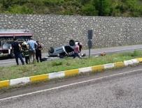 Zonguldak'ta Kontrolden Çıkan Araç Takla Attı;  2 Yaralı
