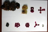 PıRLANTA - 2 Milyon Liralık Değerli Taşlar Havalimanında Ele Geçirildi