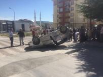 AHMET HAŞIM - 2 Otomobil Çarpıştı; 7 Yaralı