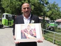 GIDA ZEHİRLENMESİ - Kocaeli'de Tavuklu Pilavdan Öldüğü İddia Edilen Ailesi Oğlunun Fotoğraflarıyla Avunuyor