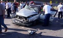 TEKELI - Samsun'da Trafik Kazası Açıklaması 1 Ölü, 4 Yaralı