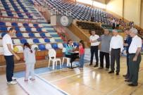 SPOR KOMPLEKSİ - Vali Meral, Sportif Yetenek Taraması Etkinliğine Katıldı