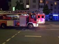 REN VESTFALYA - Almanya'da Bir Türk Vatandaşa Ait Binada Yangın