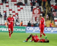 HAMZA HAMZAOĞLU - Antalyaspor'da Yeni Teknik Direktör Yarın Belli Oluyor
