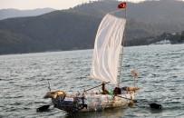 FETHIYE BELEDIYESI - Atık Pet Şişelerden Tekne Yaptı, Denizde Yüzdürdü