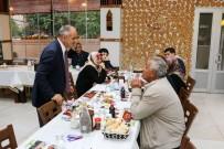 ÜSTÜN ZEKALI - Başkan Öztürk Şehit Aileleriyle İftarda Buluştu