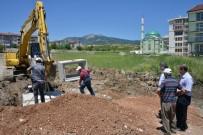 YOL YAPIMI - Gediz Belediye Başkanı Akçadurak, Yatırımları Yerinde İnceledi