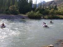 BEYTÜŞŞEBAP - Kato Dağı Eteklerinde Pet Şişeli Ve Terlikli Rafting