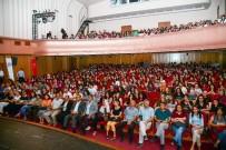 ŞEHIR TIYATROLARı - Liseli Gençler Tiyatroya Doydu