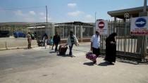 CİLVEGÖZÜ SINIR KAPISI - Suriyelilerin Cilvegözü Sınır Kapısı'ndan Geçişleri Sürüyor