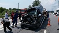 TEM Otoyolunda Minibüs İle Tır Çarpıştı Açıklaması 1 Yaralı