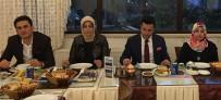 BELEDİYE ENCÜMENİ - Uzat Elini Yardım Derneği Erzurum'da Toplu İftar Yemeği Verdi