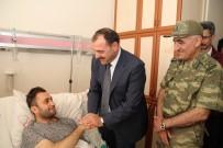 OKTAY KALDıRıM - Vali Kaldırım, Yaralı Mehmetçiği Ziyaret Etti