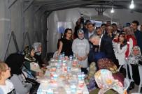 MUSTAFA ELİTAŞ - Vali Kamçı Şehit Orhan Özkan'ın Ailesini Ziyaret Etti
