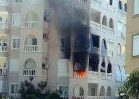 CIKCILLI - Alanya'da Ev Yangını Korkuttu