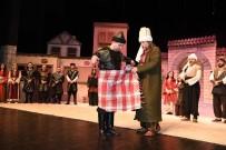 DIPLOMASı - Başkent Tiyatrosu Oyuncuları 'Peştamal' Kuşandı