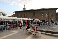 Diyarbakır'da Vatandaş İstiyor Büyükşehir Belediyesi Yapıyor