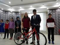 Kastamonu'da En Çok Kitap Okuyan Öğrenciler Ödüllendirildi