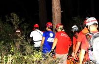 KAYAKÖY - Kayalıklardan Düşen Kişi 6 Saat Sonra Kurtarıldı