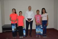 DOMİNO TAŞI - Kaymakam Pamuk'tan Türkiye Şampiyonu Öğrencilere Başarı Belgesi