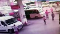SİVİL POLİS - Kemerle polise saldırdı...